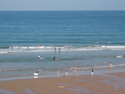 Photo for F3 spacious, private parking, beaches and town center on foot, 400m ocean, Wifi