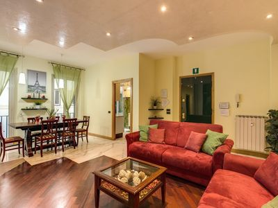 Photo for Apartment in the center of Rome with Internet, Air conditioning, Lift, Washing machine (18071)