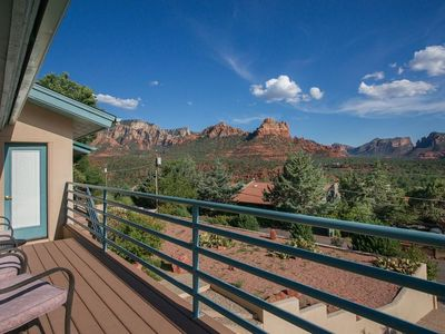The Sedona View...Uptown's Best Views! 2 blocks to town. Quiet.
