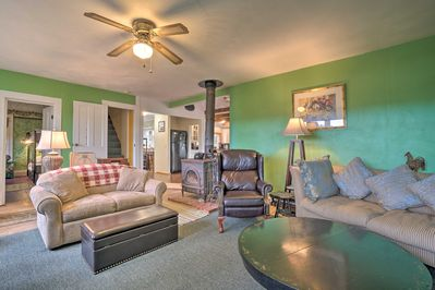 Up to 9 guests can stay in this comfortable, inviting, retreat.