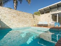 Lovely pool house in residential area