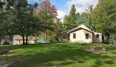 White Pine Cabin  is a 3 bed overlooking the lake and beach area.