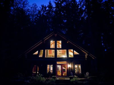 Photo for Rainbow Bungalow:  Where Mountain Cabin meets Boutique Hotel