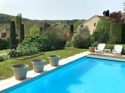 Photo for Beautiful stone cottage 3 *, wifi, heated pool in the vineyards of Cahors, Lot