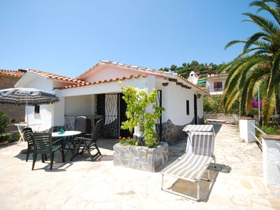 Photo for Cosy detached holiday home, close to all the facilities of Lloret de Mar