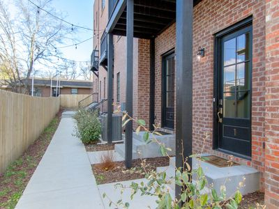 Photo for DOWNTOWN LUXURY ✦ LARGE TOWNHOME ✦ LOTS OF BEDS