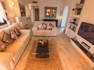 Photo for 2 Bedroom Superior Apartment In a Convenient Location- WiFi