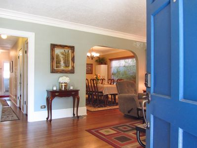 """""""Cove molding, great tile, hardwood, arches and layout were not lost on us"""" Kris"""