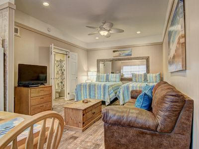 Photo for Island Oasis, Remodeled studio at Island Retreat! 2 pools/boardwalk to beach