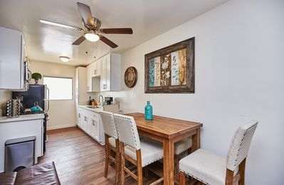 Photo for Near 101 | 1BD King | Parking | Fast WiFI