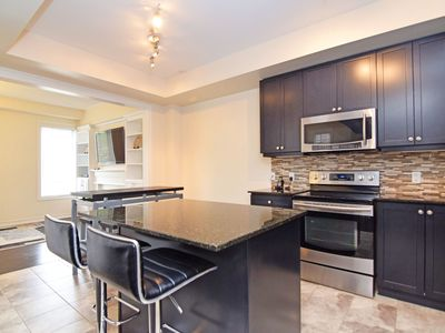 Photo for Executive 4 bedrooms, 4 washrooms - Brampton (Toronto) Canada