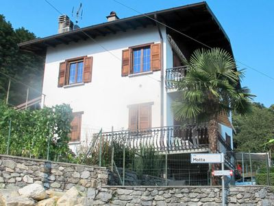 Photo for Apartment Sorriso (GLA393) in Gera Lario - 4 persons, 2 bedrooms