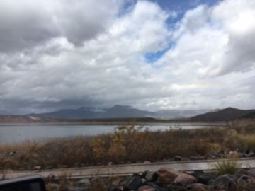 Roosevelt Lake Rv spot on 1 acre. 1 mile to boat launch ,covered boat or car par