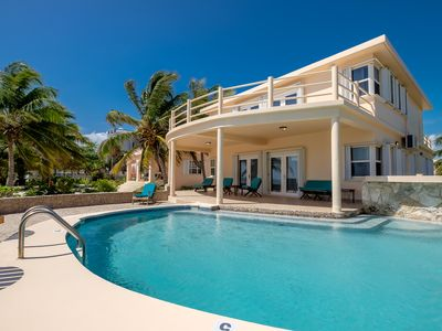 Photo for Ocean / beachfront 3-Bedroom villa with Pool and kayak