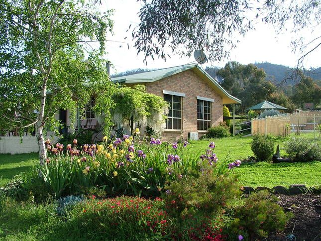 Hillview Country Cottage Strath Creek