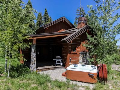 Photo for Luxury Resort Townhouse w/ Private Hot tub, WiFi, BBQ, Fireplace, Ski In/Out- Family Friendly