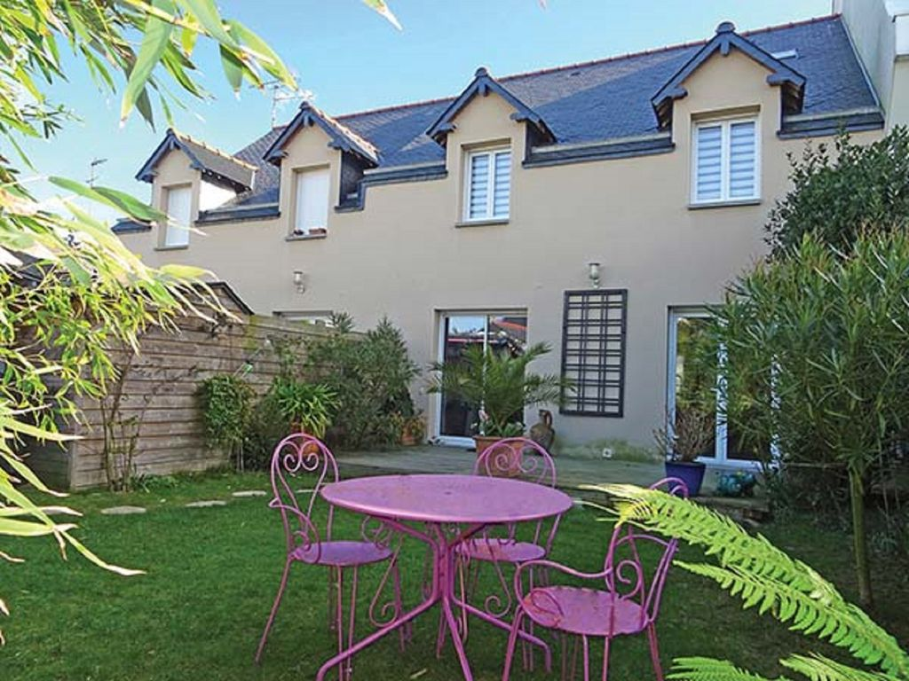 Property Image#1 St Malo City  Cozy House 120m² With Lovely Enclosed Garden