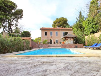 Photo for Villa Les Angles 10 minutes from Avignon 300m2 4 bedroom / Pool / AC