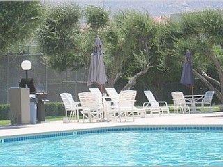 2 Pools w  Large Sundeck, Loungers and BBQ