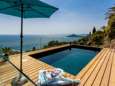 Photo for Air-conditioned villa Agay with 180 sea views and private pool