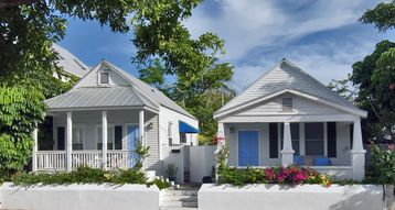 Dos Casas - 2 Cottages, 2 blocks from Duval in the Perfect Old Town Location
