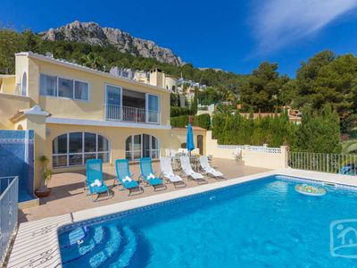 Photo for 3 bedroom Villa, sleeps 6 in Calpe with Pool, Air Con and WiFi