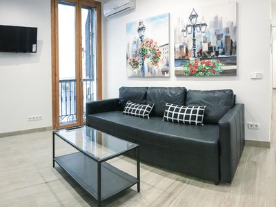 Photo for Sagasta apartment in Chamberí with WiFi, air conditioning, balcony & lift.