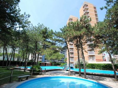 Photo for Apartment Residence Cristallo in Lignano Sabbiadoro - 4 persons, 1 bedrooms
