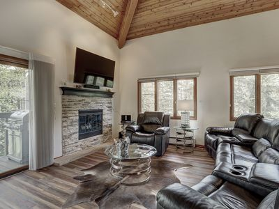 Photo for Spacious 2Br Mountain Retreat- Room for 6! Close to Lifts