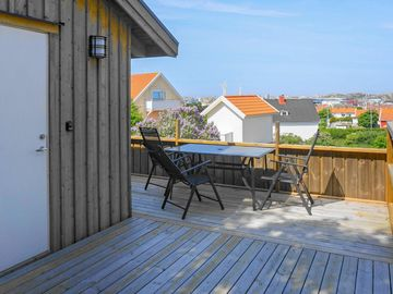 Search 82 holiday lettings