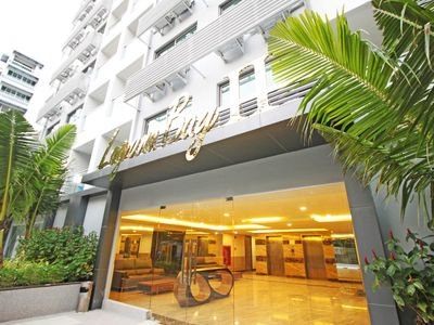 Photo for Deluxe 1 bedroom apartment @Laguna Bay 2 Unit#3