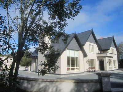 Photo for Luxury & Comfort By Lakes Of Killarney - ideal for large families or groups