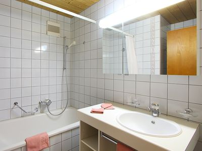 Photo for Apartment in the center of Grindelwald with Lift, Parking, Internet, Balcony (38047)