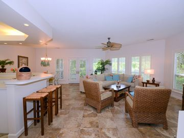 Newly Listed 2/BR/2BA,Free Tennis, Beach, Private Pools, Golf