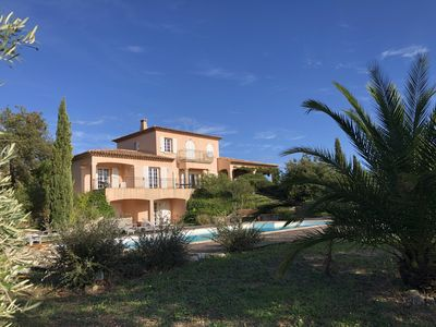 Photo for Large villa in isolated property in the Massif des Maures