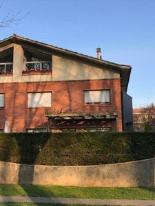 Photo for Terraced house in the best area of Olot, very central, spacious, modern kitchen