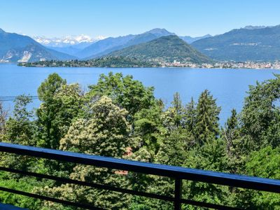 Photo for Apartment Roccolo Miralago in Laveno - 4 persons, 1 bedrooms