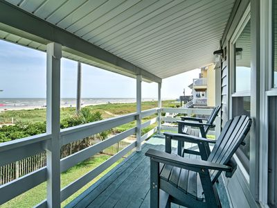 Photo for Galveston Bungalow w/ Pool Access, Steps to Beach!