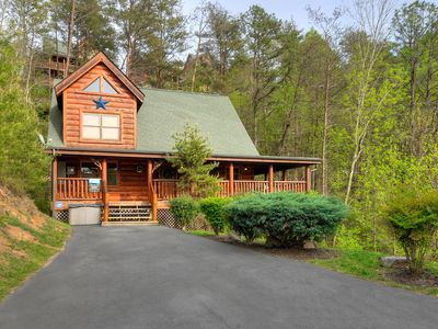 Photo for LUXURIOUS 2/2 CABIN WITH INDOOR/OUTDOOR RESORT POOL IN FANTASTIC LOCATION!