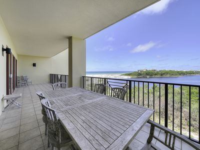 Photo for Cozy vacation condo in Santa Rosa w/ Gulf-front view, shared pool & fitness area