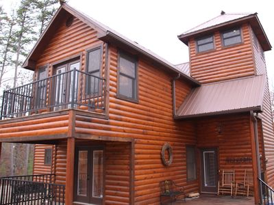 Photo for Lookout Lodge - 3 bedrooms - sleeps 11