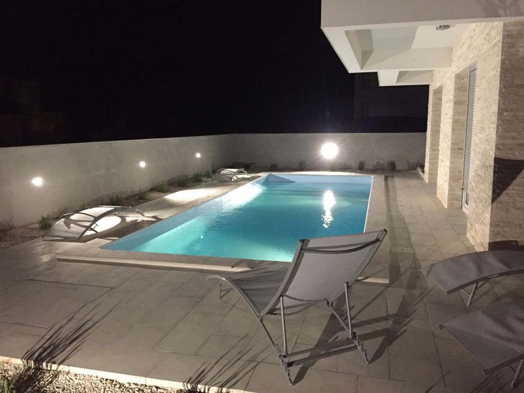 Appartement 50 m tres carr s face la mer avec piscine for Piscine 50 metres