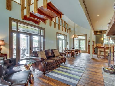 Photo for Luxury lakefront home w/ pool table & indoor/outdoor fireplaces - dogs welcome!