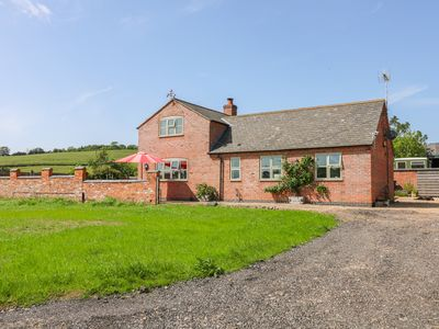 Photo for Grooms Cottage, UPPINGHAM