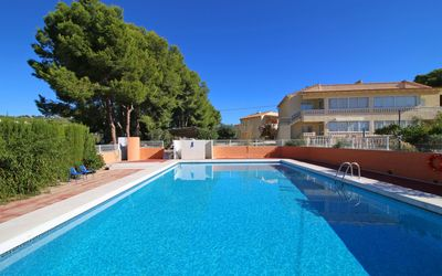 Photo for Bungalow Renato 4 with air conditioning, wifi and community pool.