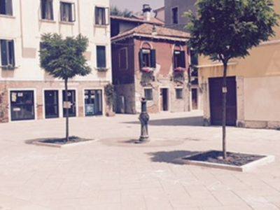 Photo for 3 bedroom Apartment, sleeps 10 with Air Con, FREE WiFi and Walk to Shops