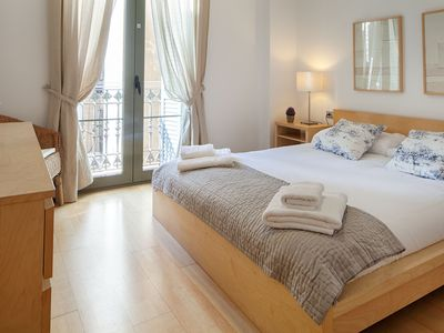 Photo for HABITAT APARTMENTS - Family-friended two bedroom apartment near Arc de Triomf