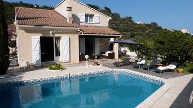 Photo for Spacious, comfortable villa, pool, welcoming up to 10 people