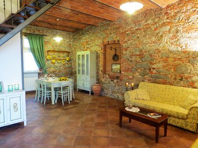 Photo for Marginone: Ancient tuscany farmstead restored in respects of rural nineteenth-century style