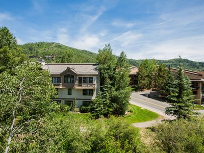 Photo for Base area condo just steps from the gondola w/ shared hot tubs & fire pit